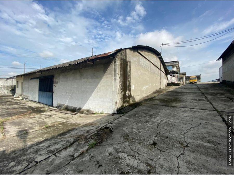 se vende terreno 13557 m2 con bodega via a daule