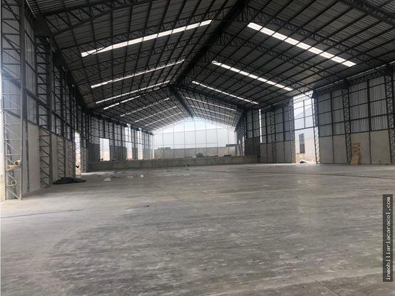 via perimetral guayaquil alquilo bodega 5000 m2