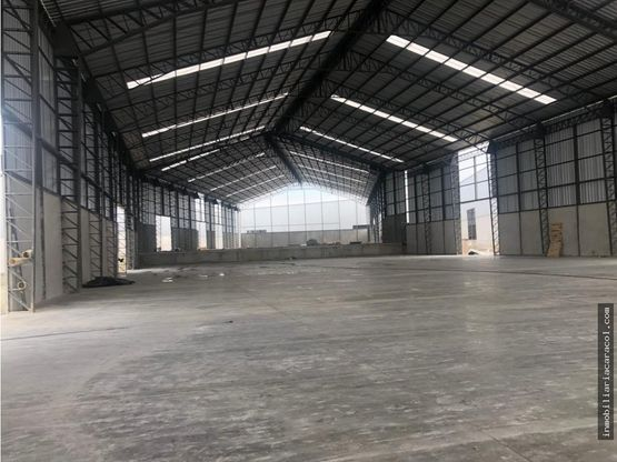 via perimetral guayaquil alquilo bodega 12000 m2