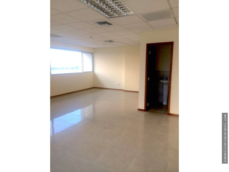 centro de guayaquil av 9 octubre oficina 280 m2