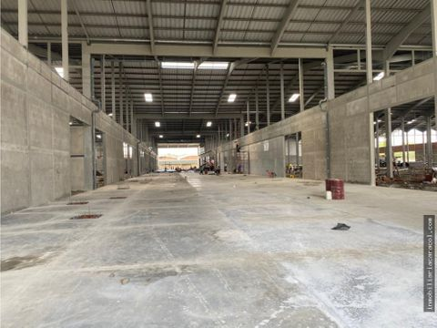 duran business center logistics se alquila 14800 m2 de bodega