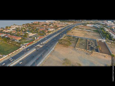 via samborondon km 35 se vende terreno comercial 7500 m2