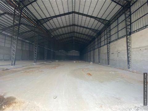 guayaquil via perimetral se alquila bodega de 4000 m2