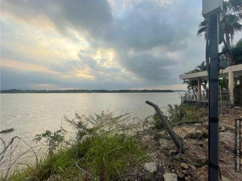 vendo terreno 600 m2 al rio y esquinero en urbanizacion palmar del rio