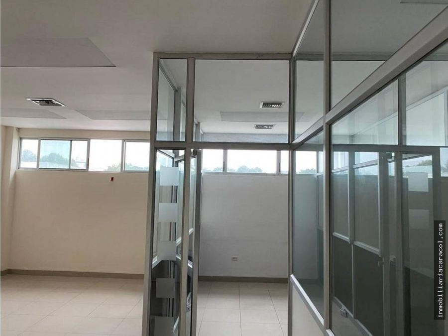oficina de venta en kennedy norte guayaquil 196 m2