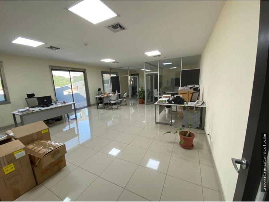 kennedy norte se alquila o vende elegantes oficinas de 1330 m2