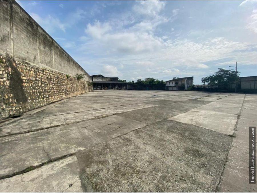 se vende terreno 34700 m2 con bodega 5000 m2 via a daule