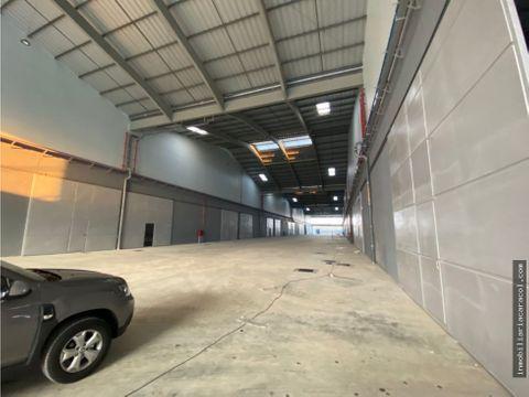 duran business center logistics se alquila 7400 m2 de bodega