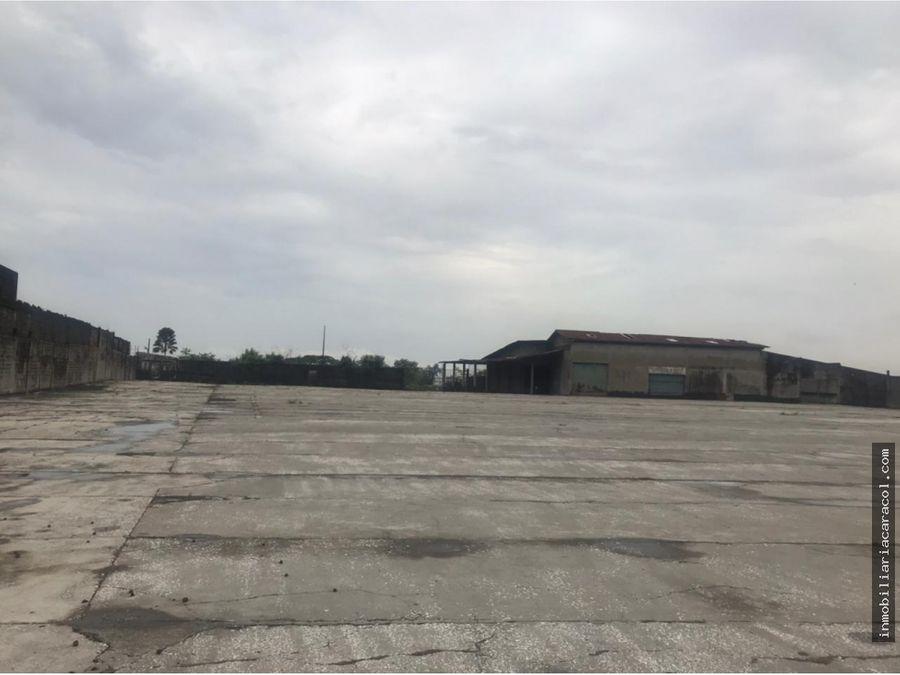 se vende amplio terreno 21146 m2 con bodega en via a daule
