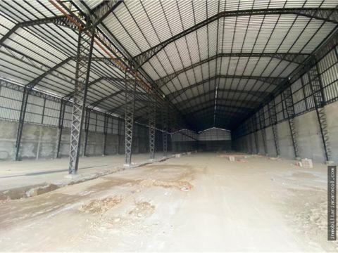 guayaquil via perimetral se alquila bodega de 12000 m2