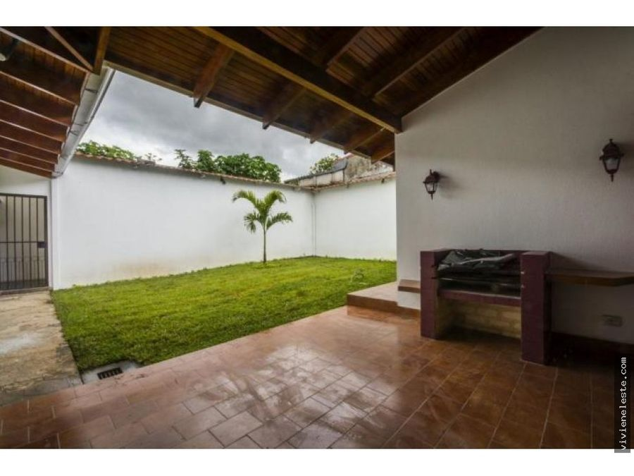 venta de casa en pinares curridabat