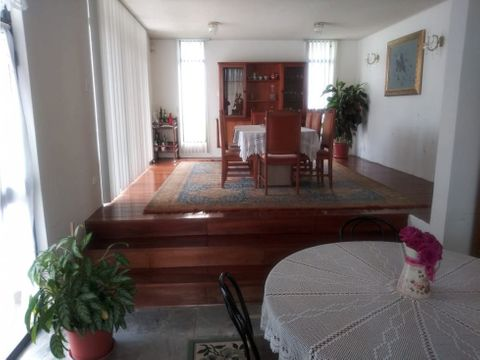 linda casa de venta en cumbaya sector la primavera