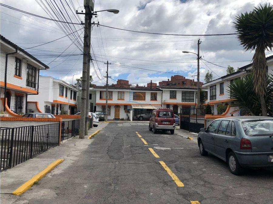 linda casa de venta en conjunto sector manosca
