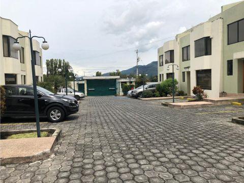 linda casa de venta conocoto diagonal parque la moya