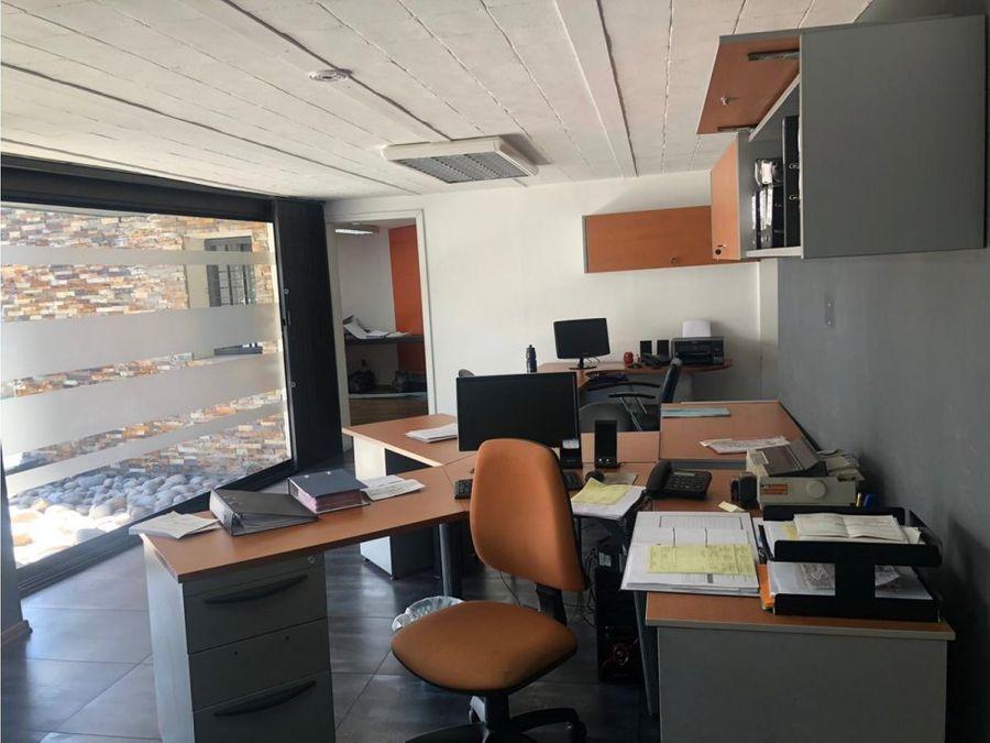 en venta pequeno edificio amoblado como oficina sector la pradera