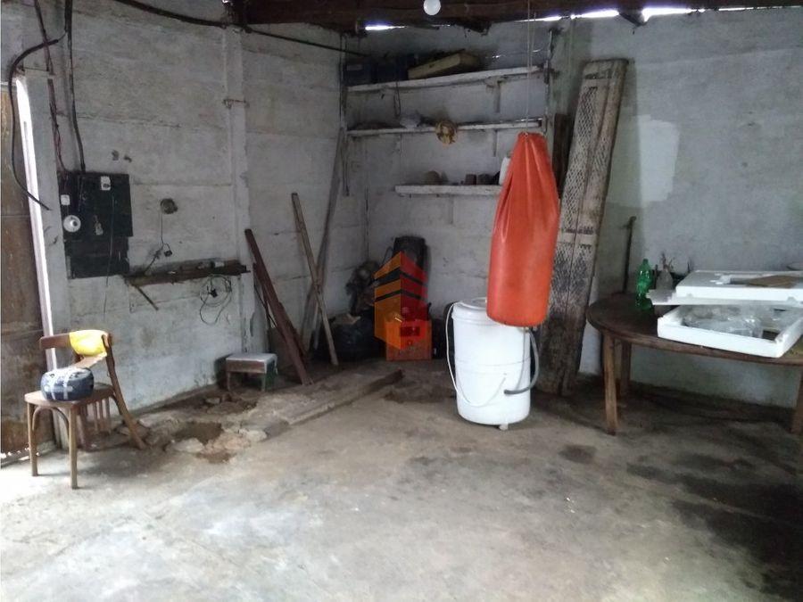en venta casa dos habitaciones a reciclar o para emprendimiento