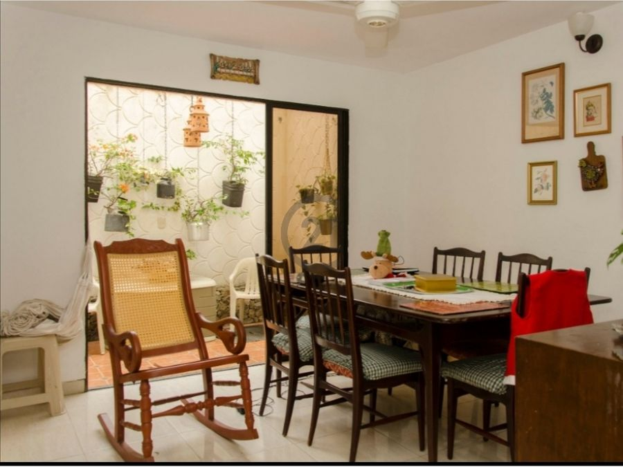 se vende casa de 2 pisos 110 mt2 en cj santa marta colombia