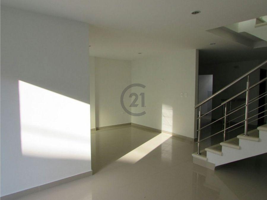 moderna casa en venta en conjunto cerrado barrio la palma sincelejo
