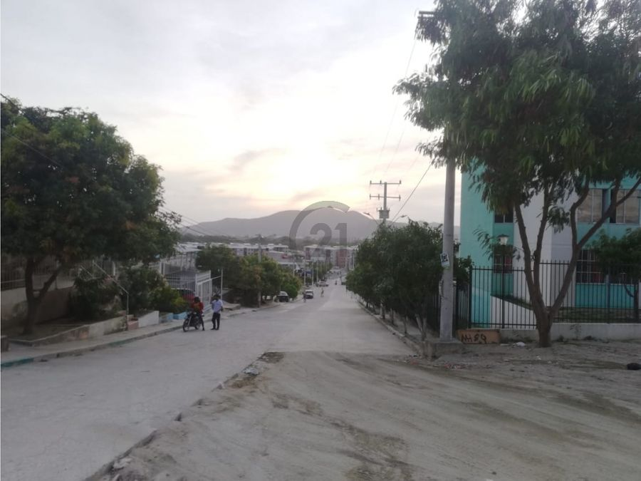 se vende lote 98 mt2 en urbanizacion santa marta colombia