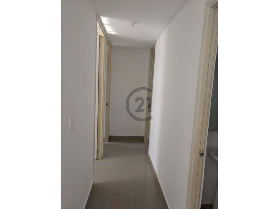 comodo apartamento en lomas de pradomar