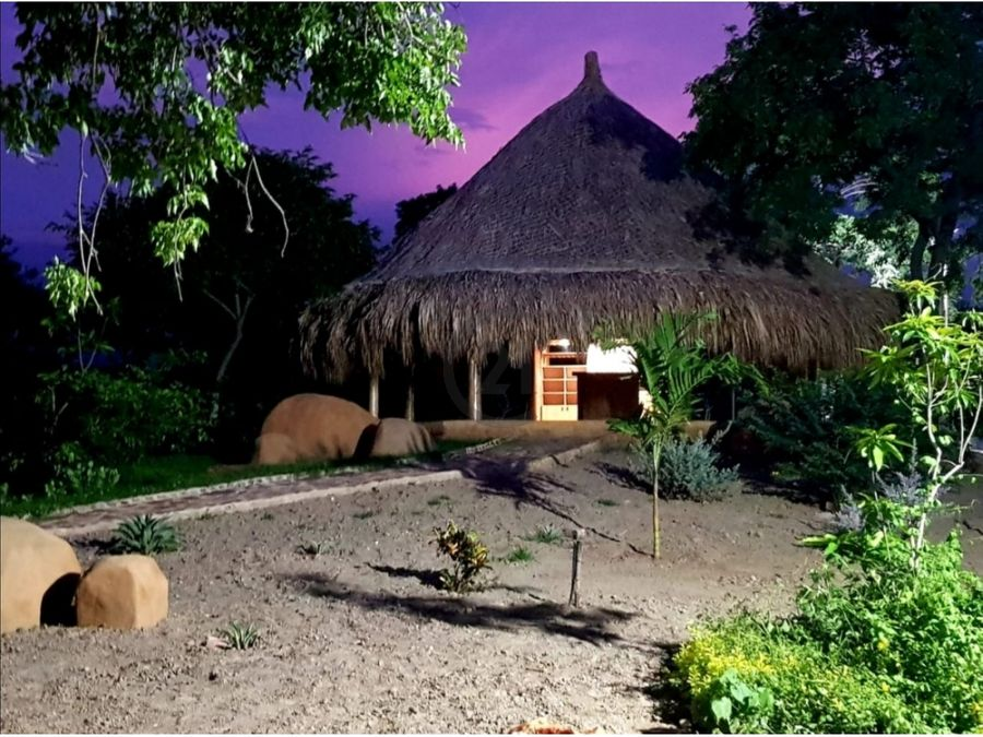 se vende cabana 10000 mt2 ideal para hostal neguanje santa marta