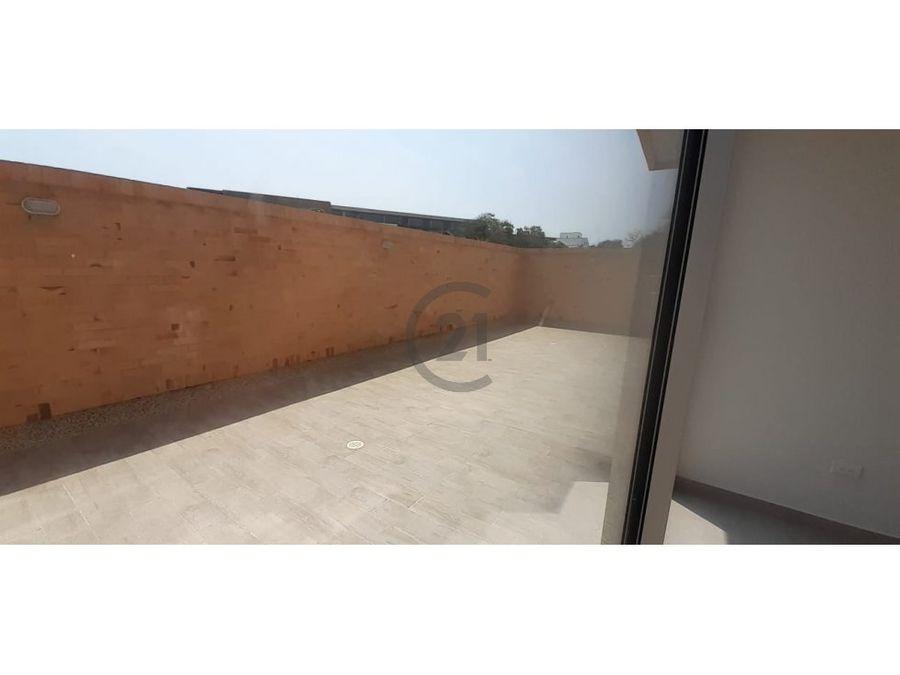 con terraza ideal para ninos pequenos o mascotas