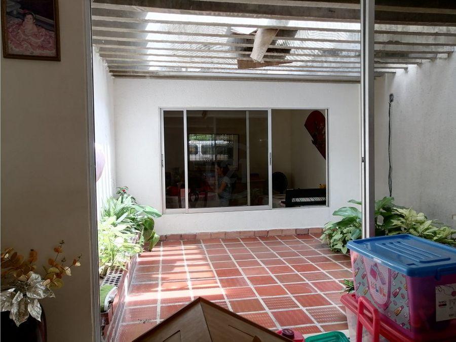 casa amplia de 1 nivel en paraiso barranquilla