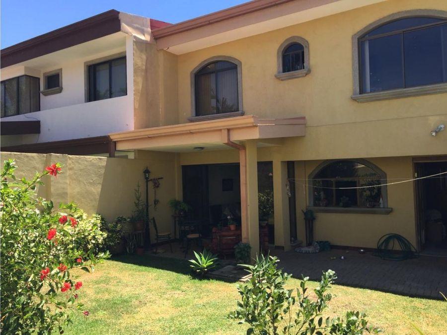 casa en residencial pozos de lindora