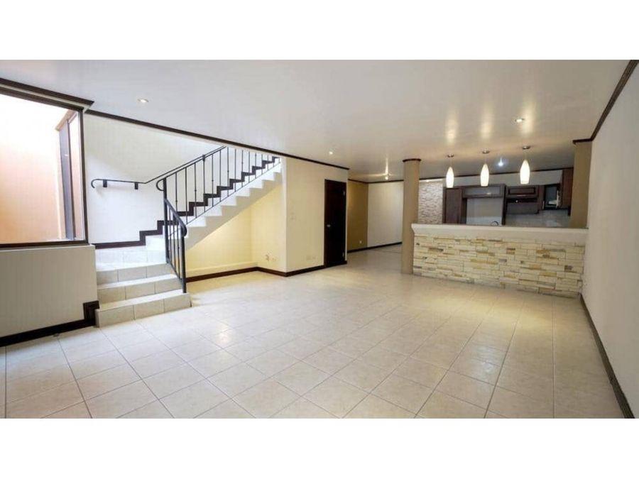 casa venta en condominio lindora