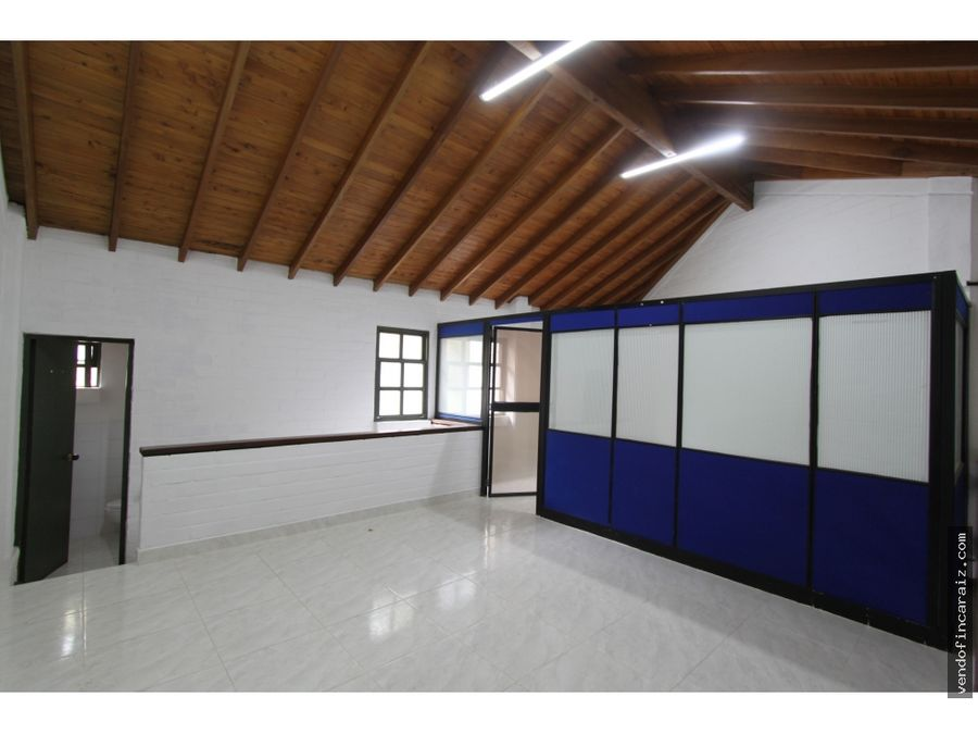 local en arriendo guarne mall los comuneros