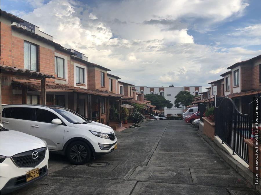 venta de casa esquinera en belmonte toluca