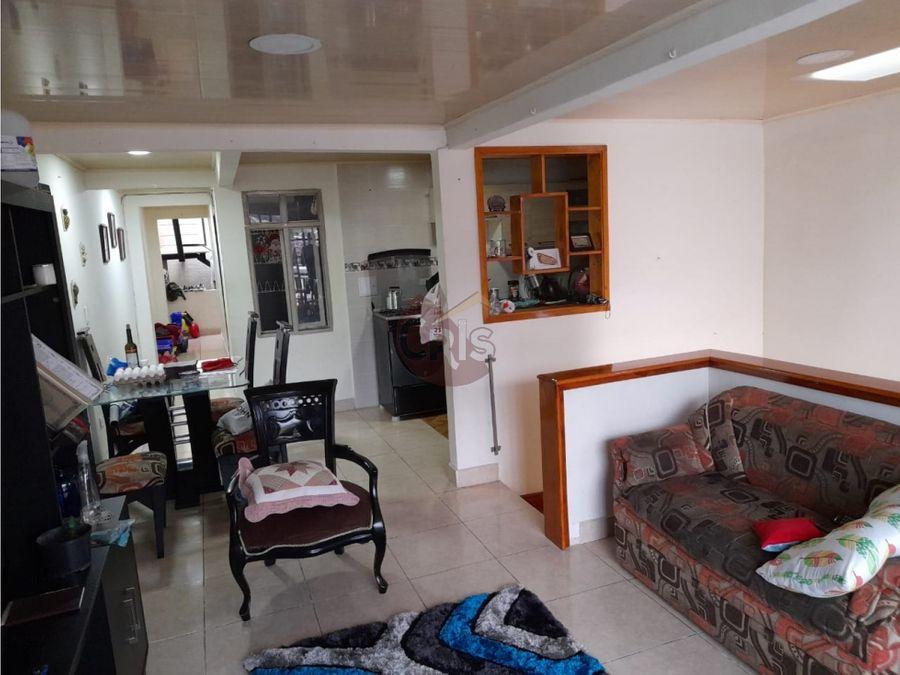 vendo casa de tres niveles bifamiliara en calarca quindio