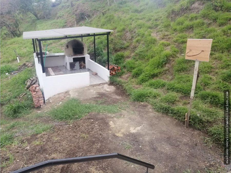 se vende cabana en moniquira boyaca