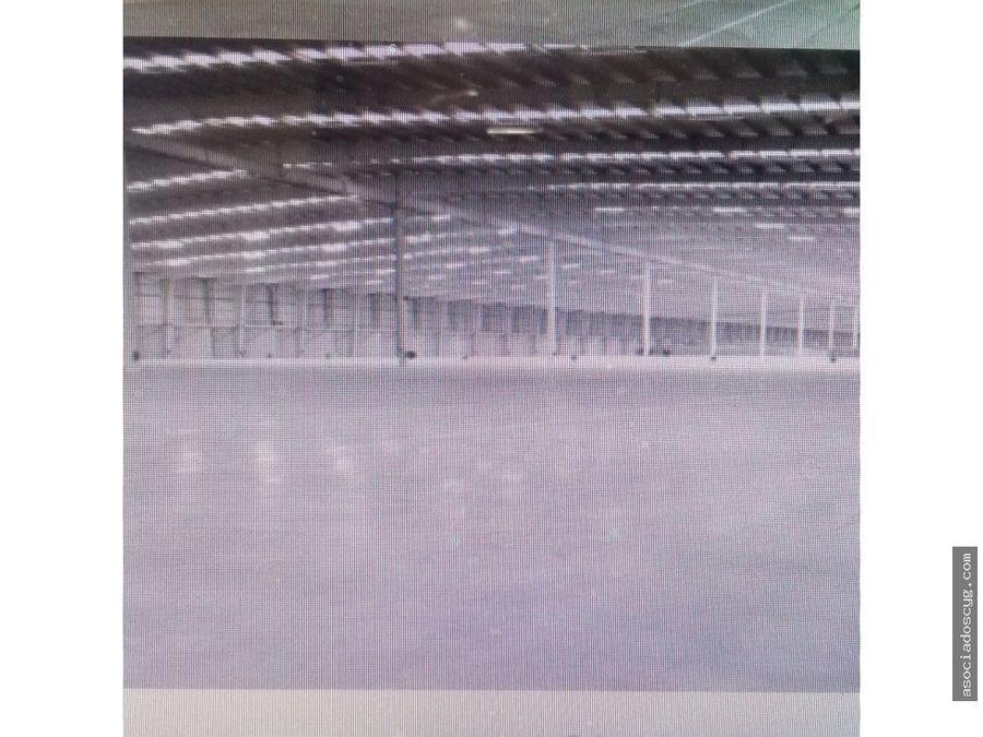 naves industrial de 12 598 m2 paseo tollocan toluca