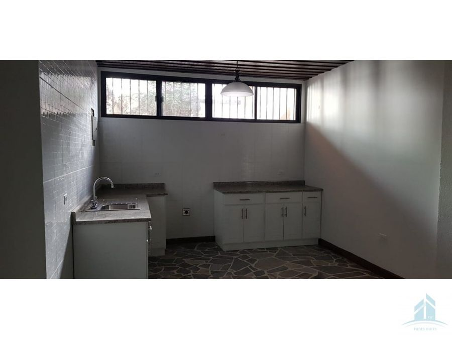 casa en renta lomas del guijarro