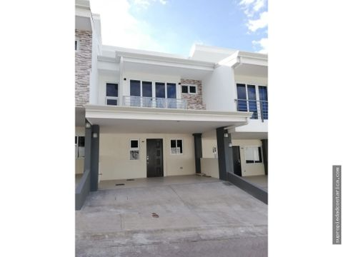 venta de casa nueva en santa ana centro