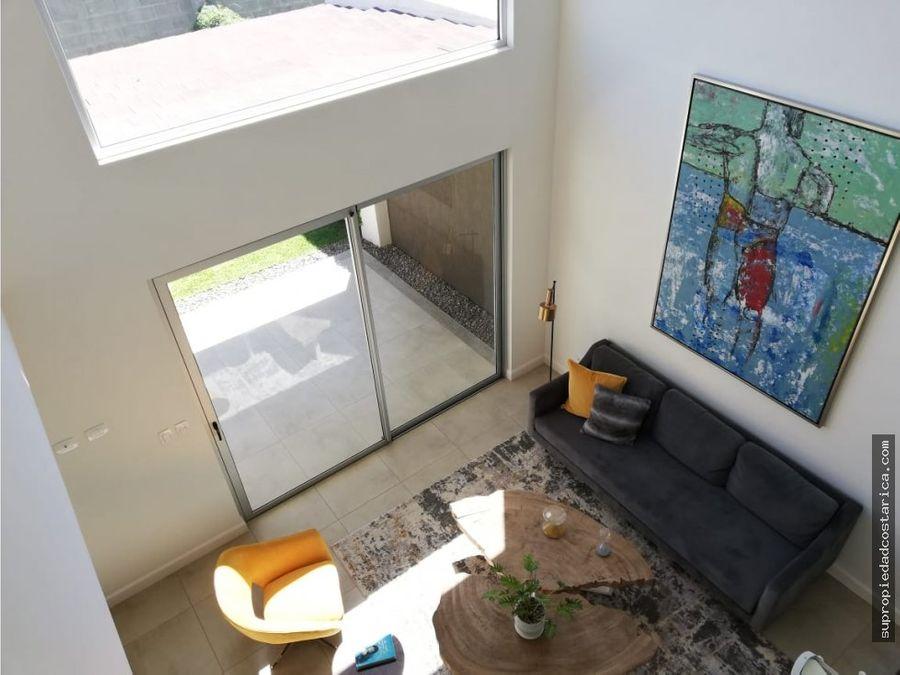 venta casa en guachipelin de escazu