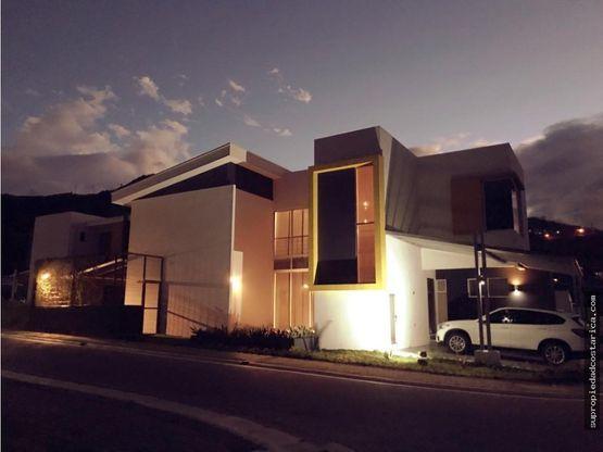 venta de casa en santa ana rio oro en condominio