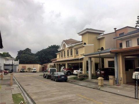 venta de casa hermosa de 270 m2 en santo domingo
