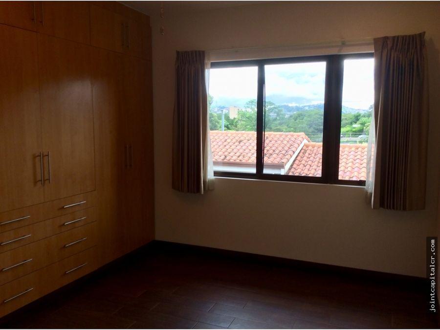 alquiler casa 3 habitaciones condominio en trejos montealegre escazu