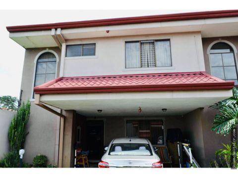 casa tipo townhouse 3 habitaciones en condominio