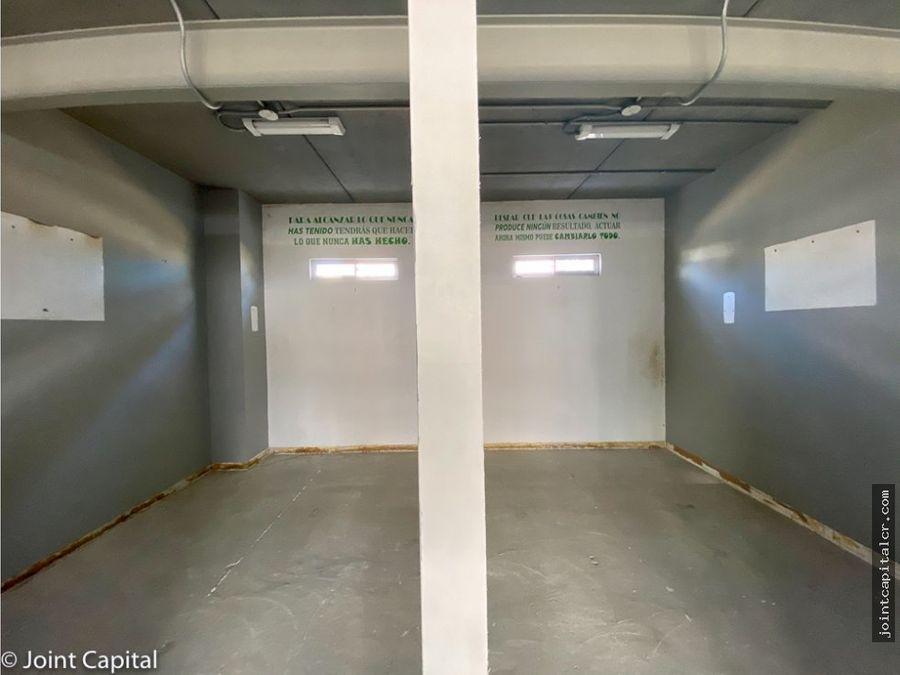 alquiler ofi bodega 256 m2 en centro de negocios escazu