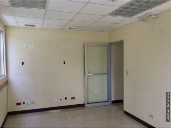 alquiler oficina 247 m2 en exclusivo oficentro