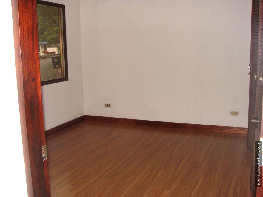 alquiler de casa 3 habitaciones en condominio en escazu
