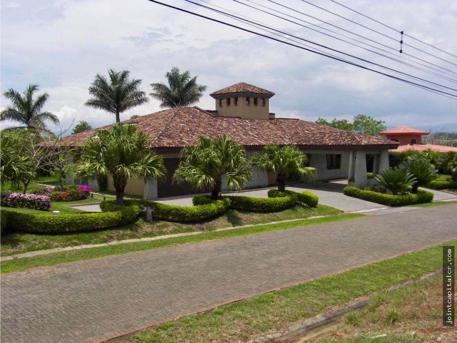 venta casa para amplia familia en la guacima