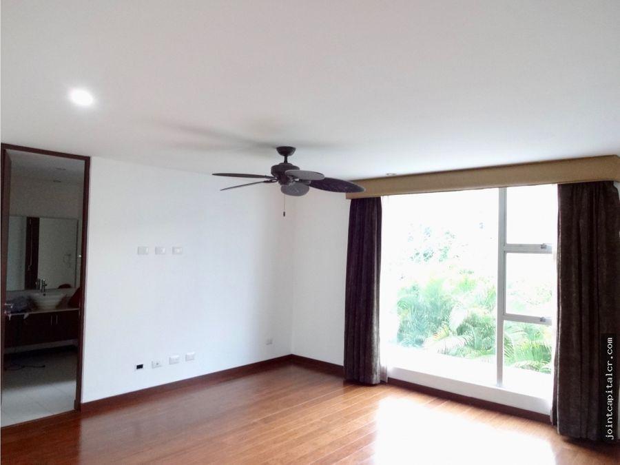 venta de casa 4 habitaciones en condominio en santa ana