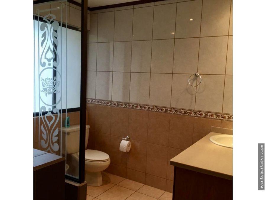 alquiler casa 3 habitaciones consin muebles condominio en escazu