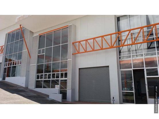 alquiler de ofibodega 250 m2 con mezzanine