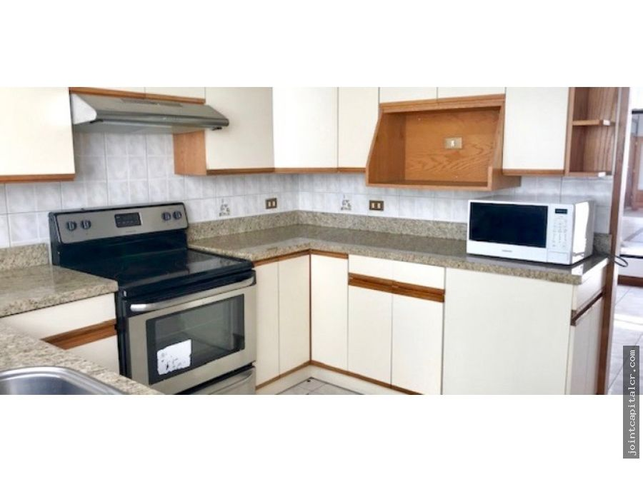 casa espaciosa de 3 habitaciones en residencial