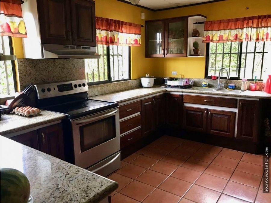 venta de casa en los laureles con seguridad